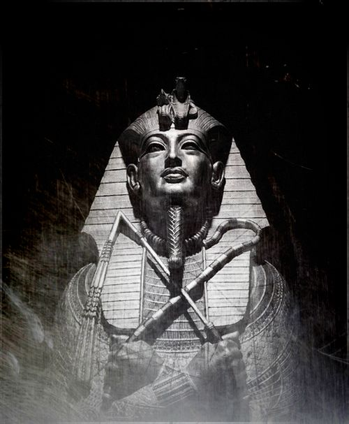 2Pharaoh-Tutankhamun